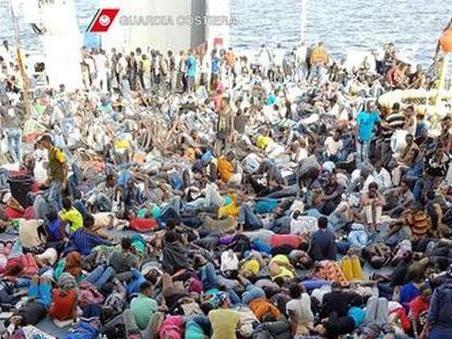 Migranti, 12mila sbarcati in Italia in 48 ore: «Situazione insostenibile»