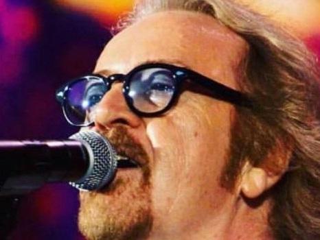 Non c'è pace per 40 anni che Ti amo di Umberto Tozzi, beffato da Music: la nuova data