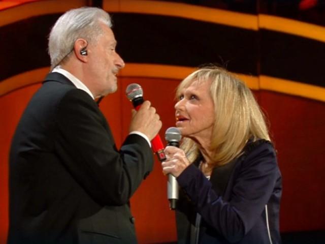 Rita Pavone e Amedeo Minghi cantano 1950 a Sanremo 2020 (video)