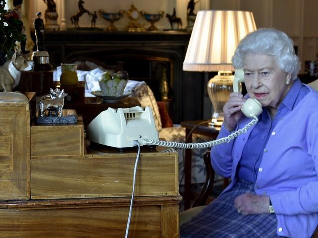 """Coronavirus, stasera il discorso di Elisabetta II: """"I britannici di questa generazione forti come ogni altra"""""""