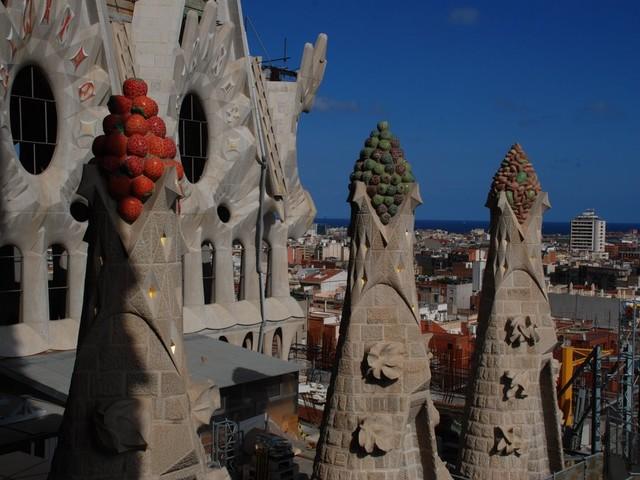 Anche con materiali poveri sono state costruite grandi cattedrali.