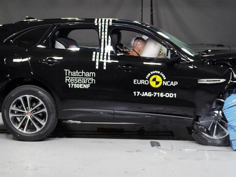 Crash Test Euro NCAP, dalle 0 stelle per la Fiat Punto alle 5 della Jaguar F-Pace