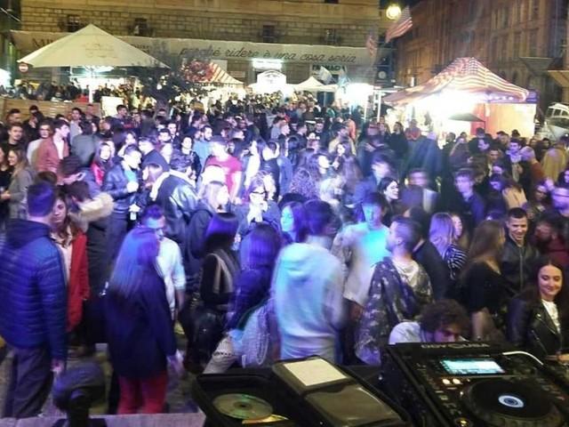"""Tolentino, grande successo per la prima edizione dello """"Street Food Festival"""""""