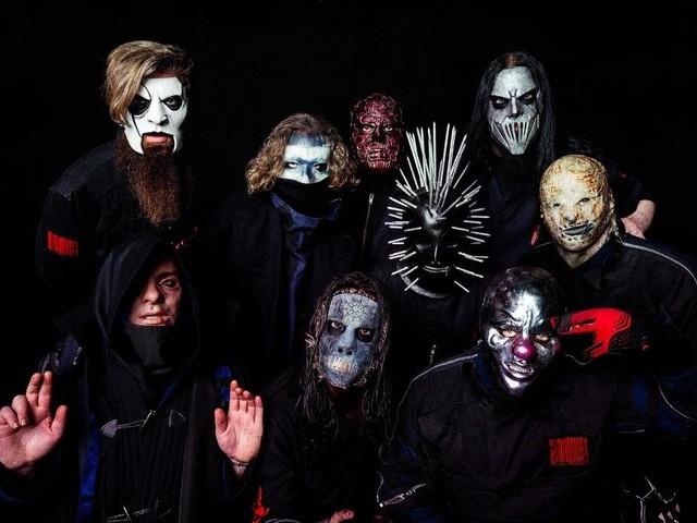 Finisce in sommossa il concerto degli Slipknot in Messico: bruciati gli strumenti degli Evanescence