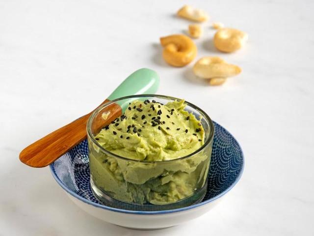 La ricetta dell'hummus di avocado
