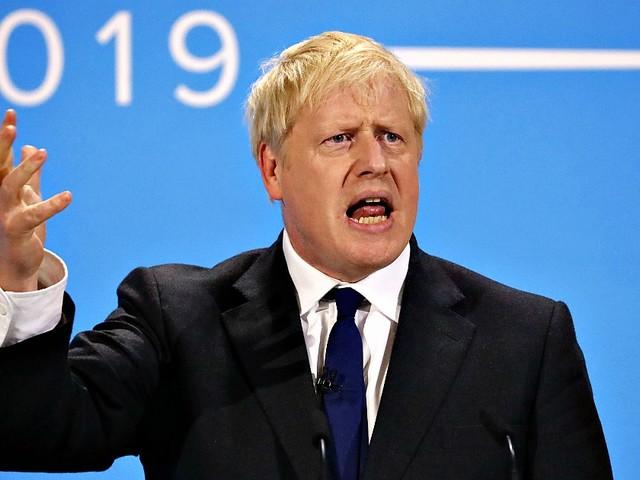 Brexit, Johnson verso la guida del governo: si dimettono altri due ministri. Alle 17 scade il termine per votare successore di Theresa May