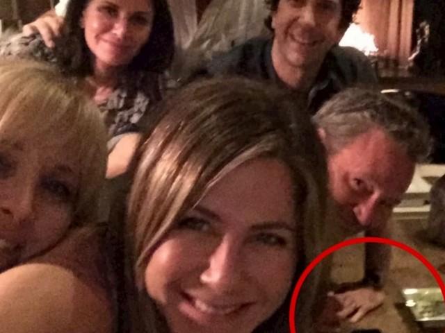 Jennifer Aniston, nella foto virale su Instagram spunta il giallo cocaina… Ma lei smentisce