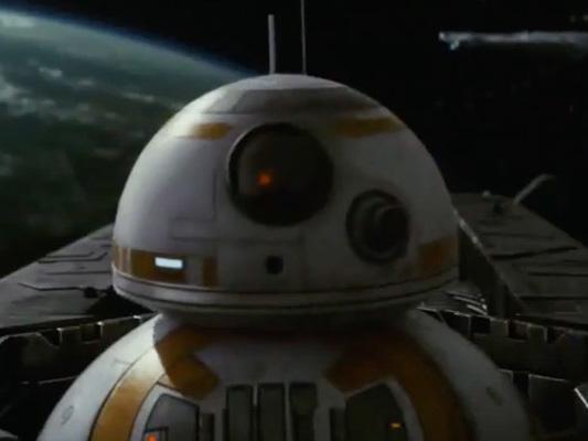 Star Wars: Gli ultimi Jedi – Rey e BB-8 protagonisti dei nuovi spot