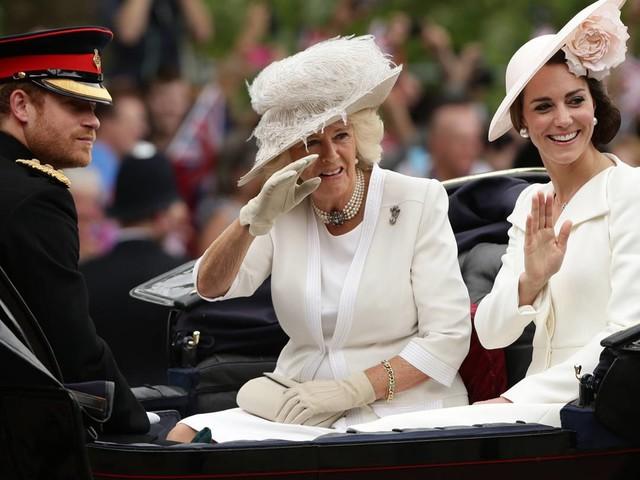 Camilla rifiuta il titolo di Lady Diana che andrà a Kate Middleton