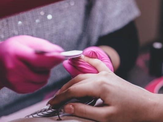 Smalto in polvere: una rivoluzione per la vostra manicure