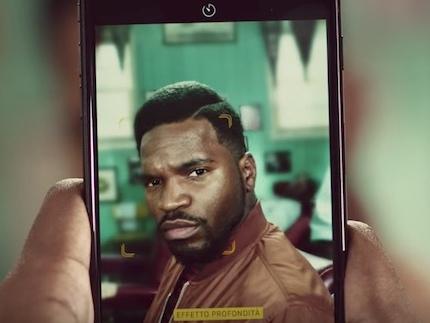 La canzone della pubblicità iPhone 7 Plus Barbiere 2017