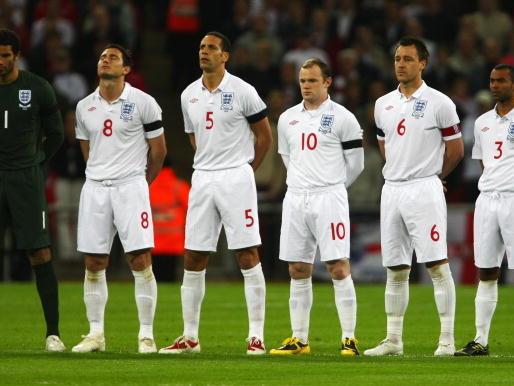 """Ferdinand bacchetta Southgate sulla """"farsa Sterling-Gomez"""", ma in passato è stato chiaro: """"La rivalità tra club ha ucciso l'Inghilterra"""""""