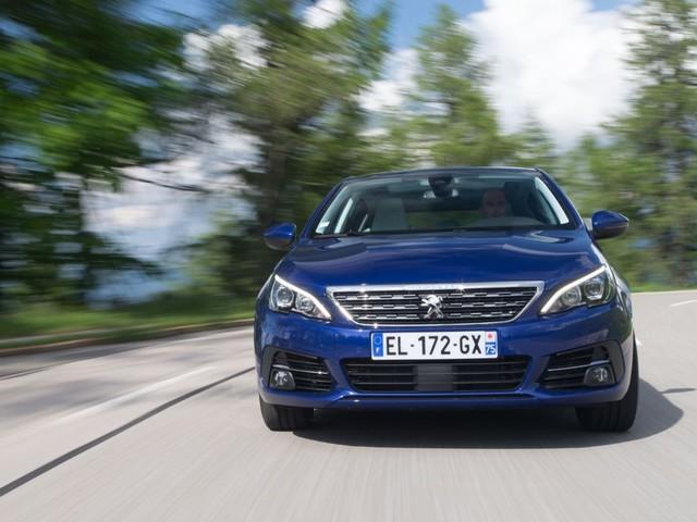 Peugeot 308 - Al volante della 2.0 BlueHDi Eat8