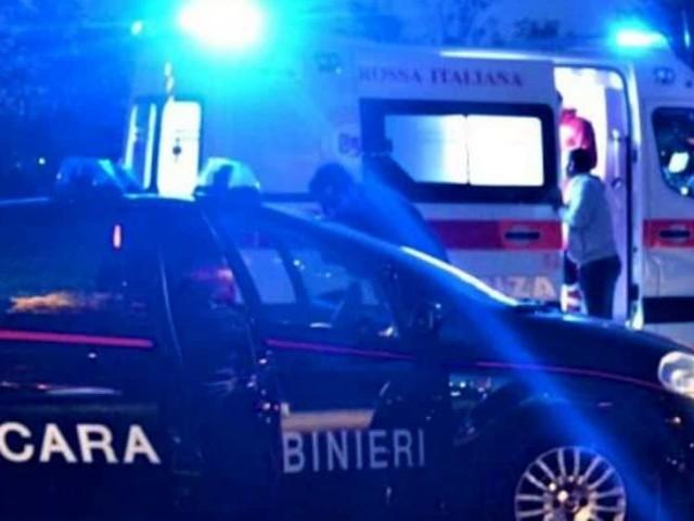 Notte turbolenta a Guidonia: auto falcia un pedone, poi fa strike con le macchine in sosta. «Conducente aveva bevuto»