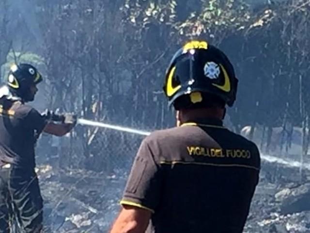 Emergenza sterpaglie a Roma: in due giorni 260 interventi dei Vigili del Fuoco per incendi