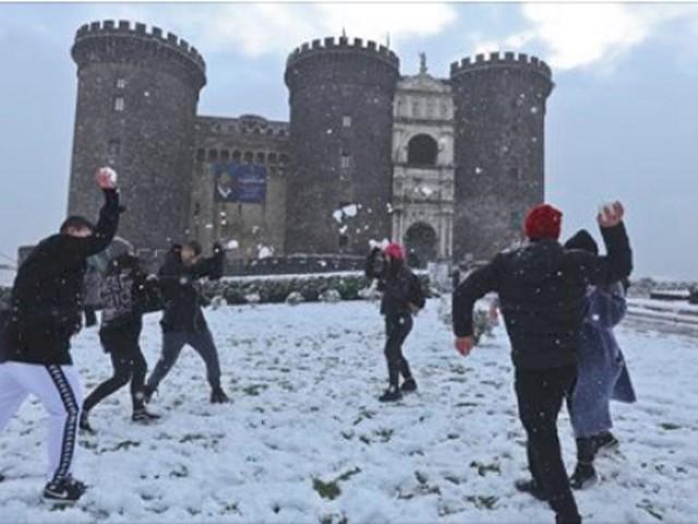 Campania, diramata l'allerta meteo dal 3 gennaio: prevista neve anche in pianura