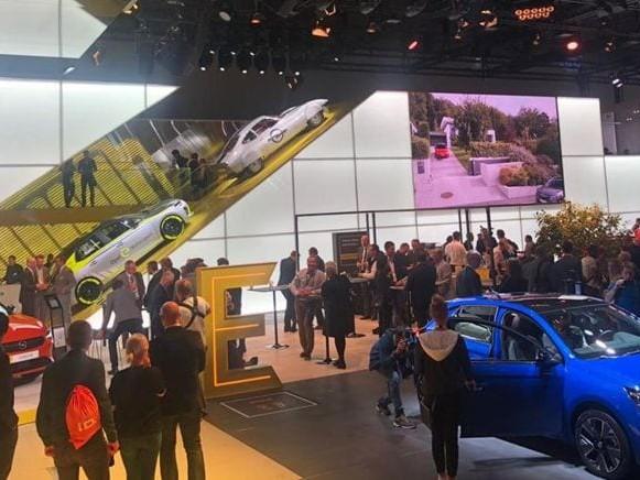 Opel, al Salone di Francoforte 2019 debuttano Corsa, Astra Restyling e Grandland X ibrida