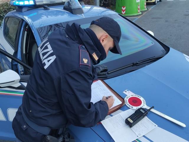 Evade dai domiciliari per rubare all'Ins: arrestato