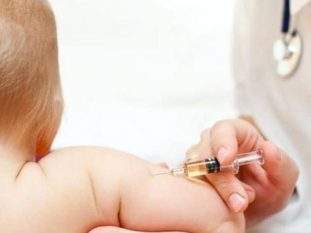 Vaccini, Consulta: «Legge su obbligo non è irragionevole»