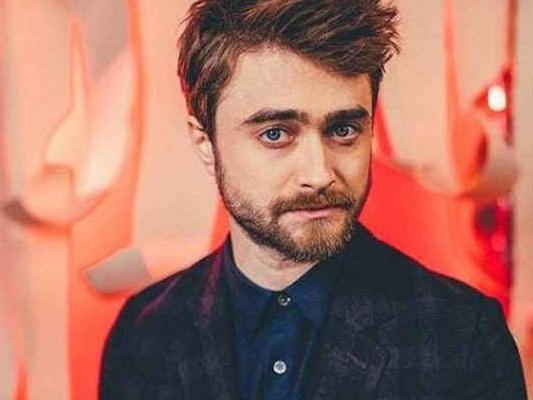Daniel Radcliffe: le foto dal set svelano la sua trasformazione per Escape from Pretoria