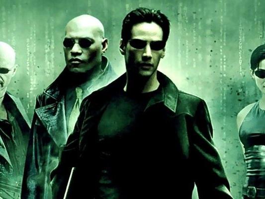 Matrix 4, Neo e Trinity in un video dal set - Notizia