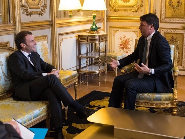 Renzi spacca il Pd in Europa e spunta l'asse con Macron