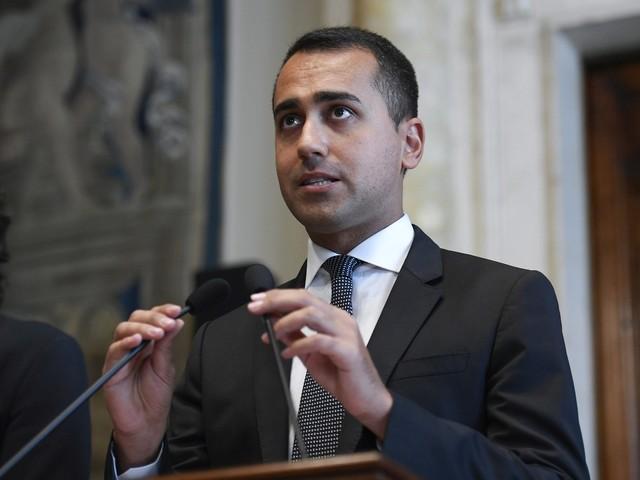 """Di Maio avverte Renzi: """"Non fare come Salvini, niente tensioni"""""""