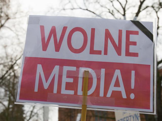Polonia, non si ferma l'assalto del governo all'indipendenza dei media