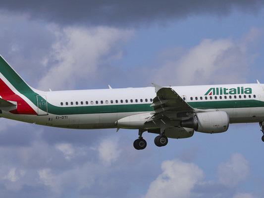 Alitalia atterra in manovra