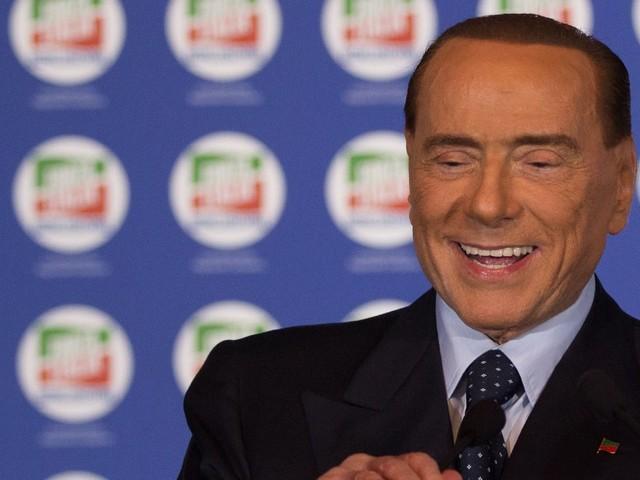 """Silvio Berlusconi conferma l'accordo con Matteo Salvini: """"Chi ha più voti dentro la coalizione indica il premier"""""""
