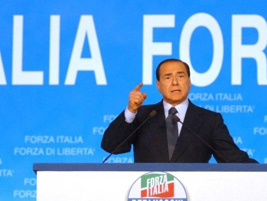 """Berlusconi """"scese in campo"""" e nacque Forza Italia. Un quarto di secolo fa"""