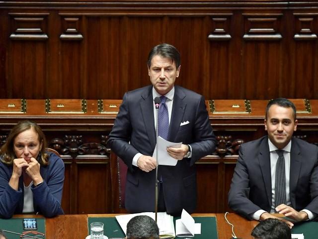 """Sì della Camera al governo Conte La fiducia passa con 343 """"sì"""""""