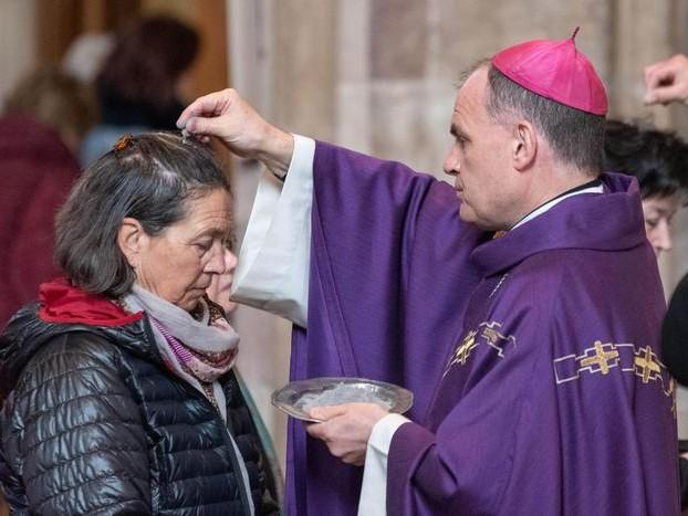 Coronavirus: vescovo, no acqua benedetta