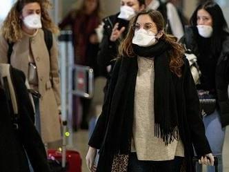Coronavirus, molti Paesi sconsigliano i viaggi in Italia. Gli Stati che impongono restrizioni.