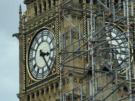"""Big Ben, ultimi 12 rintocchi prima del silenzio: l'orologio simbolo di Londra """"muto"""" fino al 2021"""