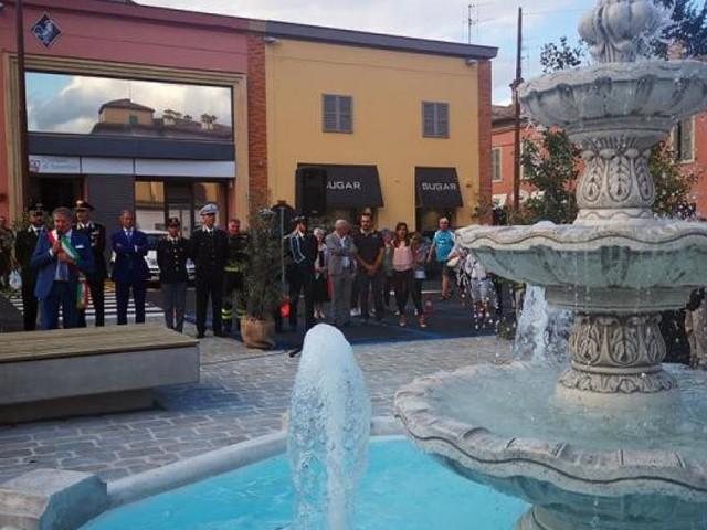 """Tolentino, il PD sulla nuova fontana in piazza Martiri di Montalto: """"La prima in Europa contornata da auto"""""""