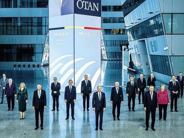 Vertice Nato, l'Alleanza Atlantica sulla linea di Biden: Cina rischio per la sicurezza, Russia minaccia militare numero uno