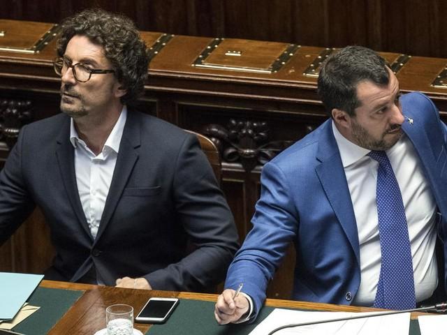 Open Arms, Toninelli: 'L'UE ci volta le spalle per colpa di Salvini'