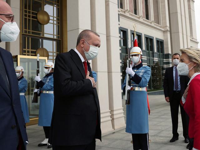"""Draghi:""""Umiliata von der Leyen,Erdoganun dittatore"""". Caso diplomatico con la Turchia"""