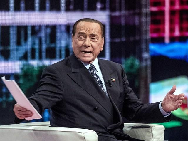 """Berlusconi in piazza con la Lega: """"Parlerò dal palco contro governo che attenta a libertà"""""""