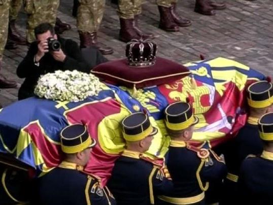 Bucarest, l'ultimo saluto all'ex re Michele I di Romania