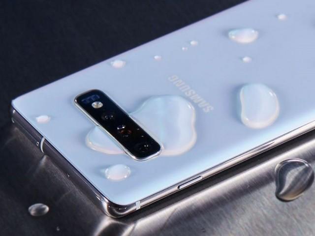 Precisazioni sulla possibile uscita di Android 10 per Samsung Galaxy S10 in Italia oggi 2 dicembre