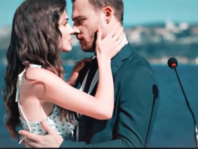 Love is in the Air, episodi al 24/09: Eda chiede a Serkan di sposarla