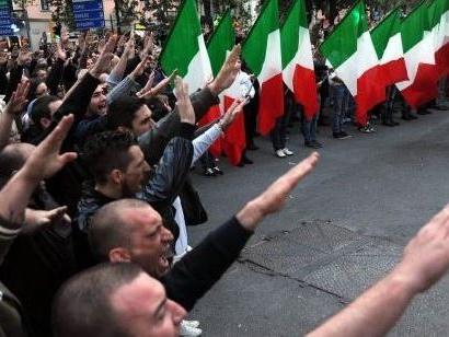 Blitz della Digos contro un'associazione sovversiva neonazista. 26 indagati