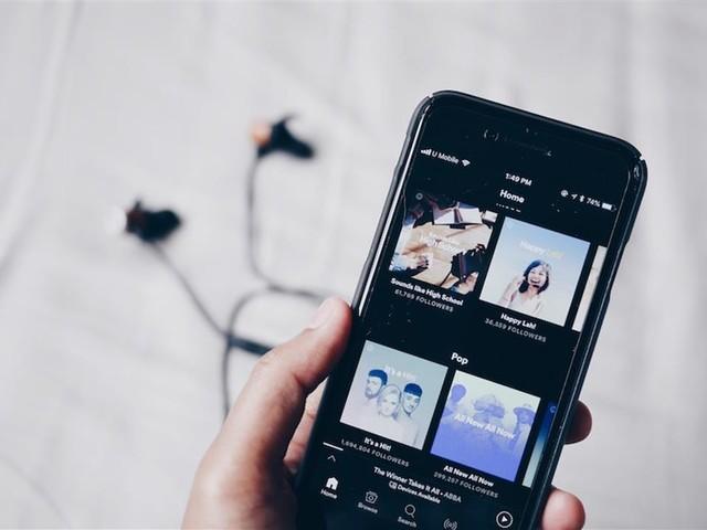Spotify sta ammazzando la musica. Care radio, è arrivato il momento di boicottarlo