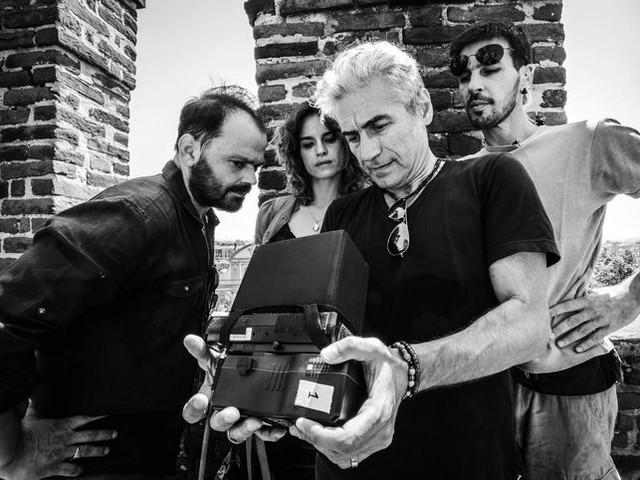 "Ligabue racconta ""Made in Italy"" sul set del film: la videointervista in anteprima"