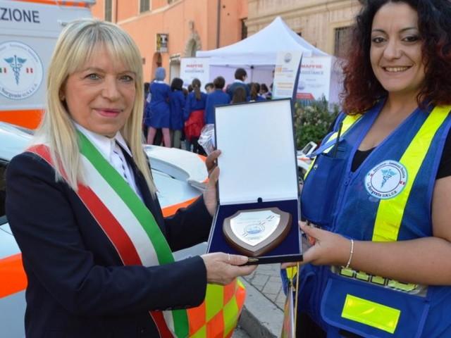 """San Severino, in piazza i volontari e le ambulanze di """"Mille e 118 Miglia del Soccorso"""" (FOTO)"""