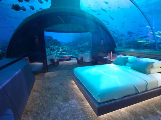 Alle Maldive si può dormire nella prima villa sottomarina al mondo