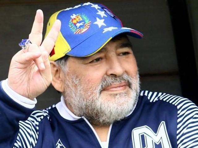 Maradona, il presunto sesto figlio vuole riesumare la salma per la prova del Dna