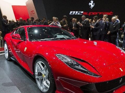 Ferrari Superfast è Auto Europa Sportiva
